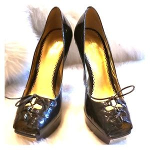Bebe - Brown patent leather heel, size 8